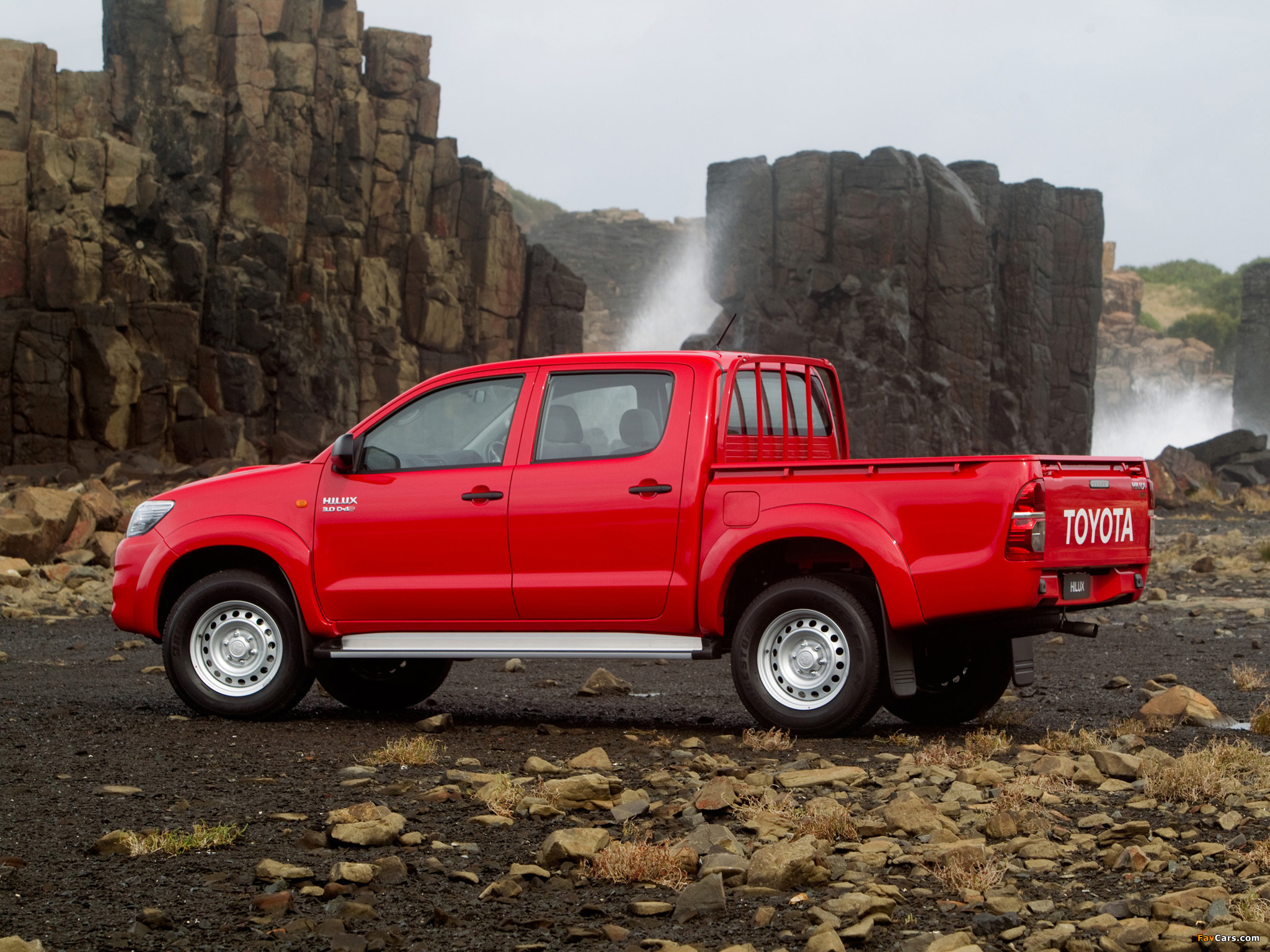 Toyota HiLux Reviews | CarsGuide