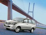 Toyota Innova 2004–08 wallpapers