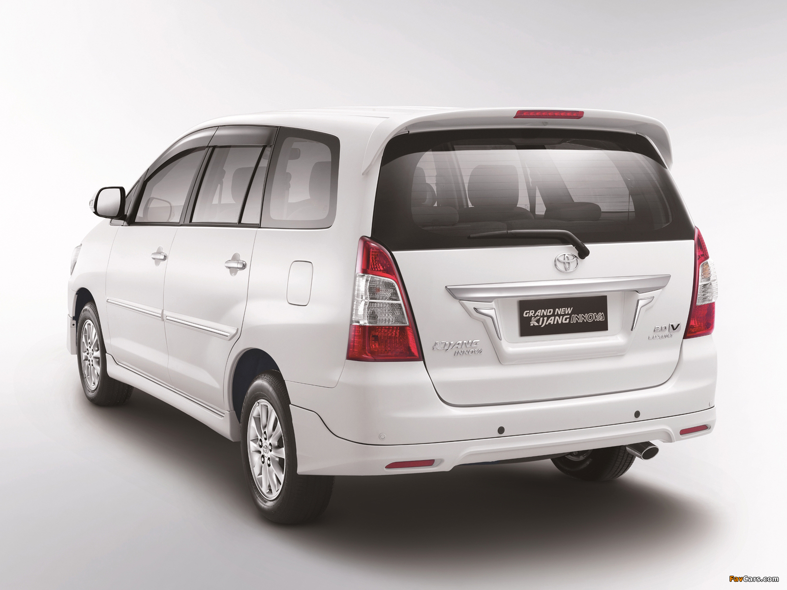 Toyota Grand New Kijang Innova 2011 Pictures 1600x1200