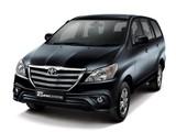 Toyota Kijang Innova 2013 images