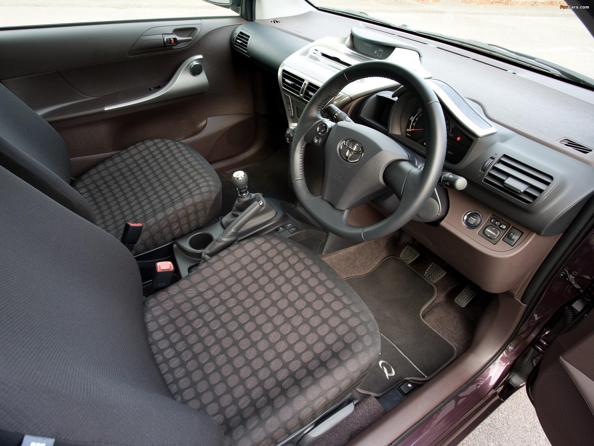 Images of Toyota iQ UK-spec (KGJ10) 2009 (2048 x 1536)