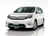 Toyota Isis Platana V Selection White Package 2011 photos