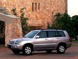 Toyota Kluger V 2000–03 images