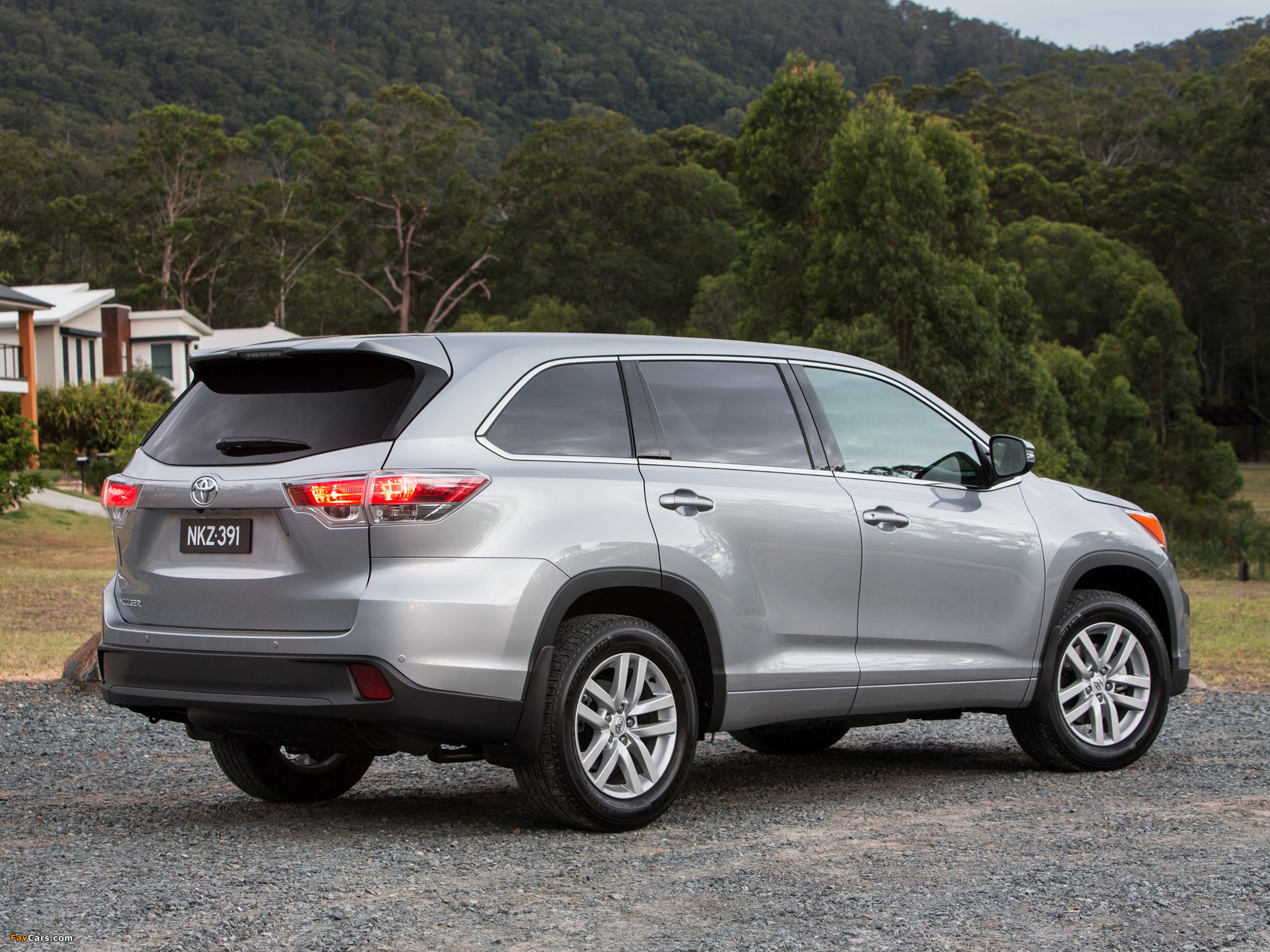Toyota Kluger 2014 images (2048 x 1536)