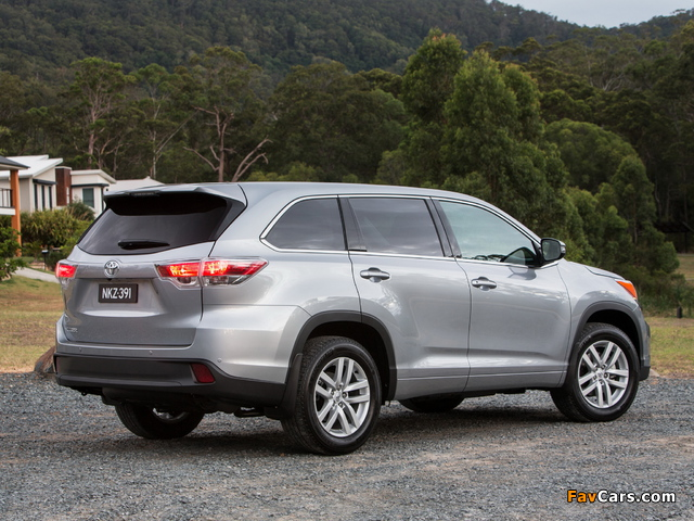 Toyota Kluger 2014 images (640 x 480)