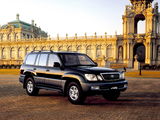 Toyota Land Cruiser Cygnus (UZJ100W) 1998–2003 images
