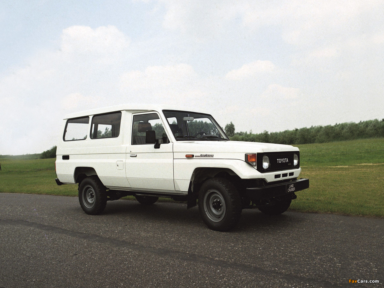 Photos Of Toyota Land Cruiser J75 1986 90 1280x960
