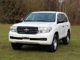 Toyota Land Cruiser 200 DLX UAE-spec (UZJ200) 2011 images