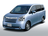 Pictures of Toyota Noah 2007