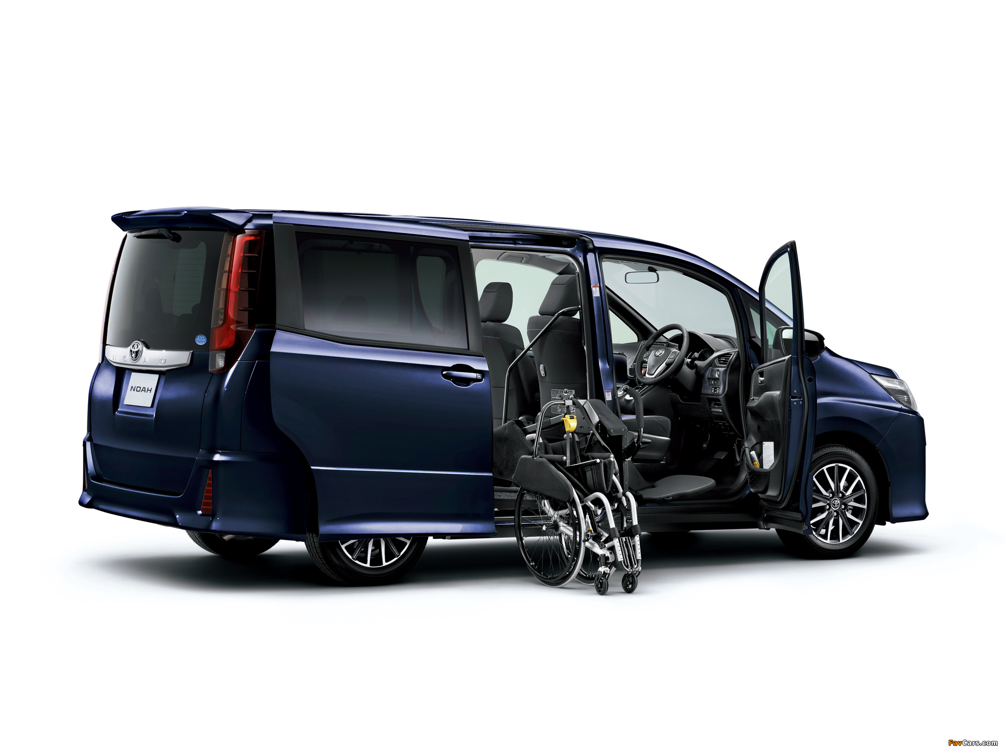 Toyota Noah Welcab 2014 wallpapers (2048 x 1536)