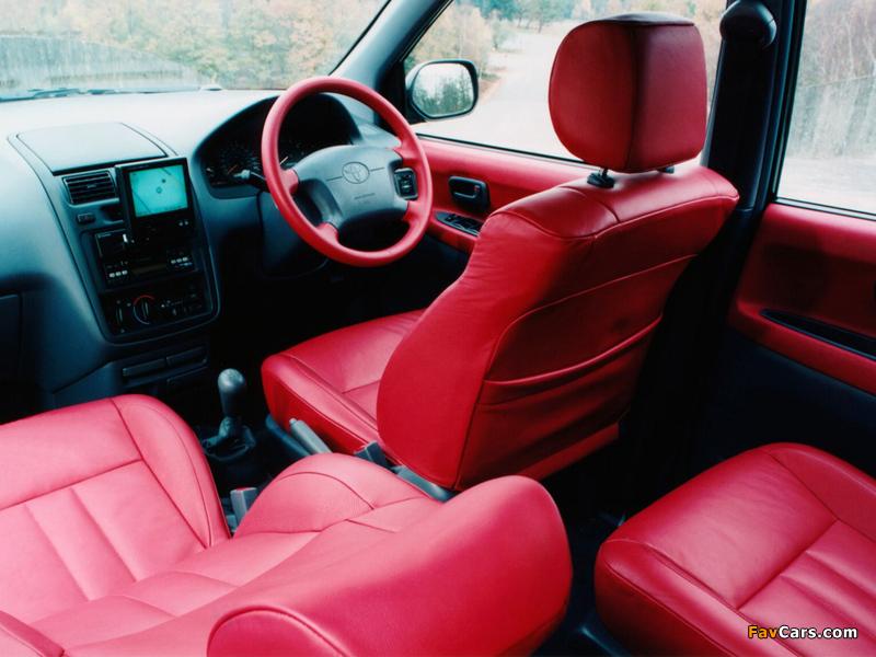 Photos of Toyota Picnic Sport UK-spec 1996–2001 (800 x 600)
