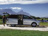 Toyota Previa 2000–05 photos