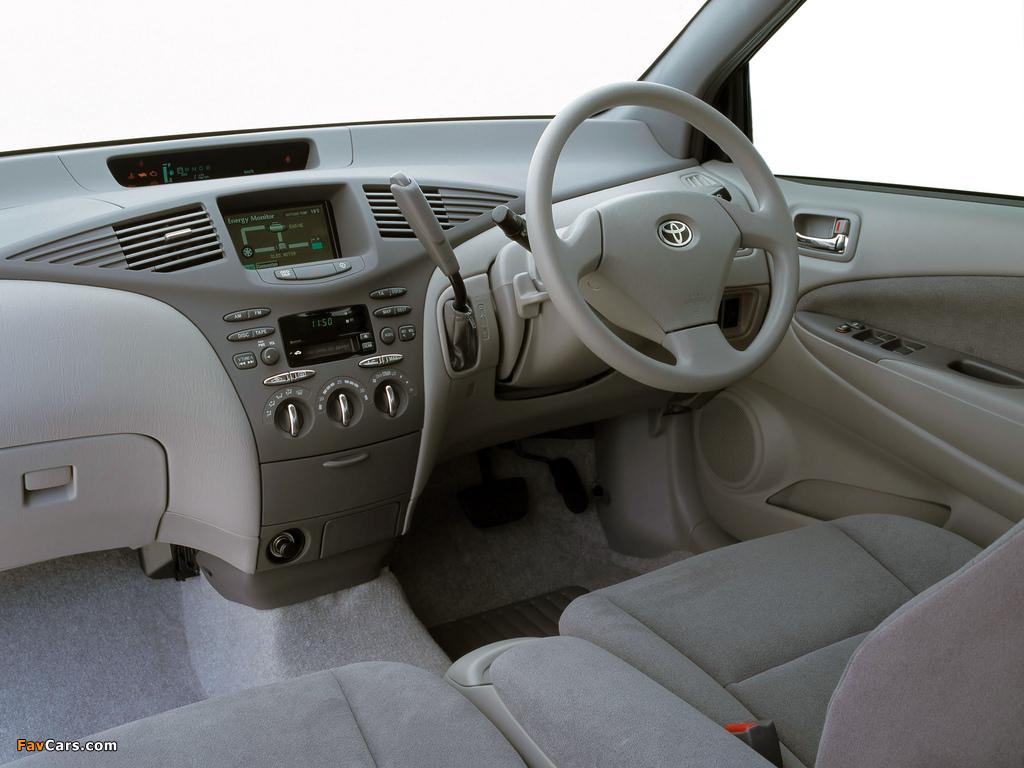 Images of Toyota Prius AU-spec (NHW11) 2001–03 (1024 x 768)