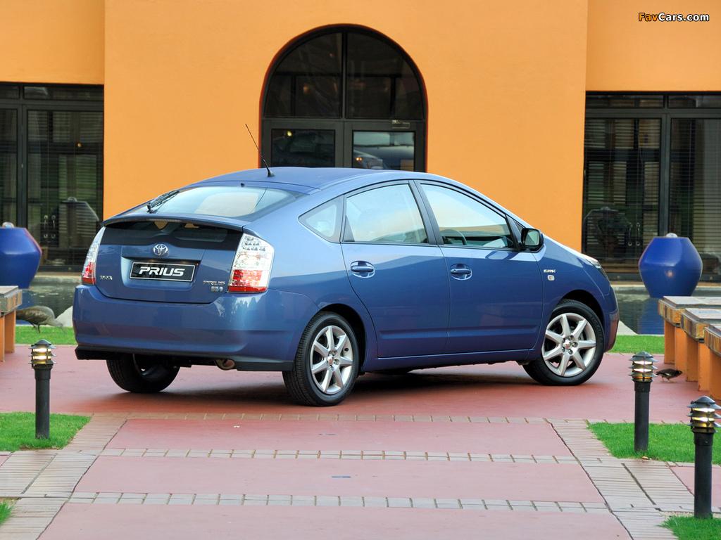 Photos of Toyota Prius ZA-spec (NHW20) 2003–09 (1024 x 768)