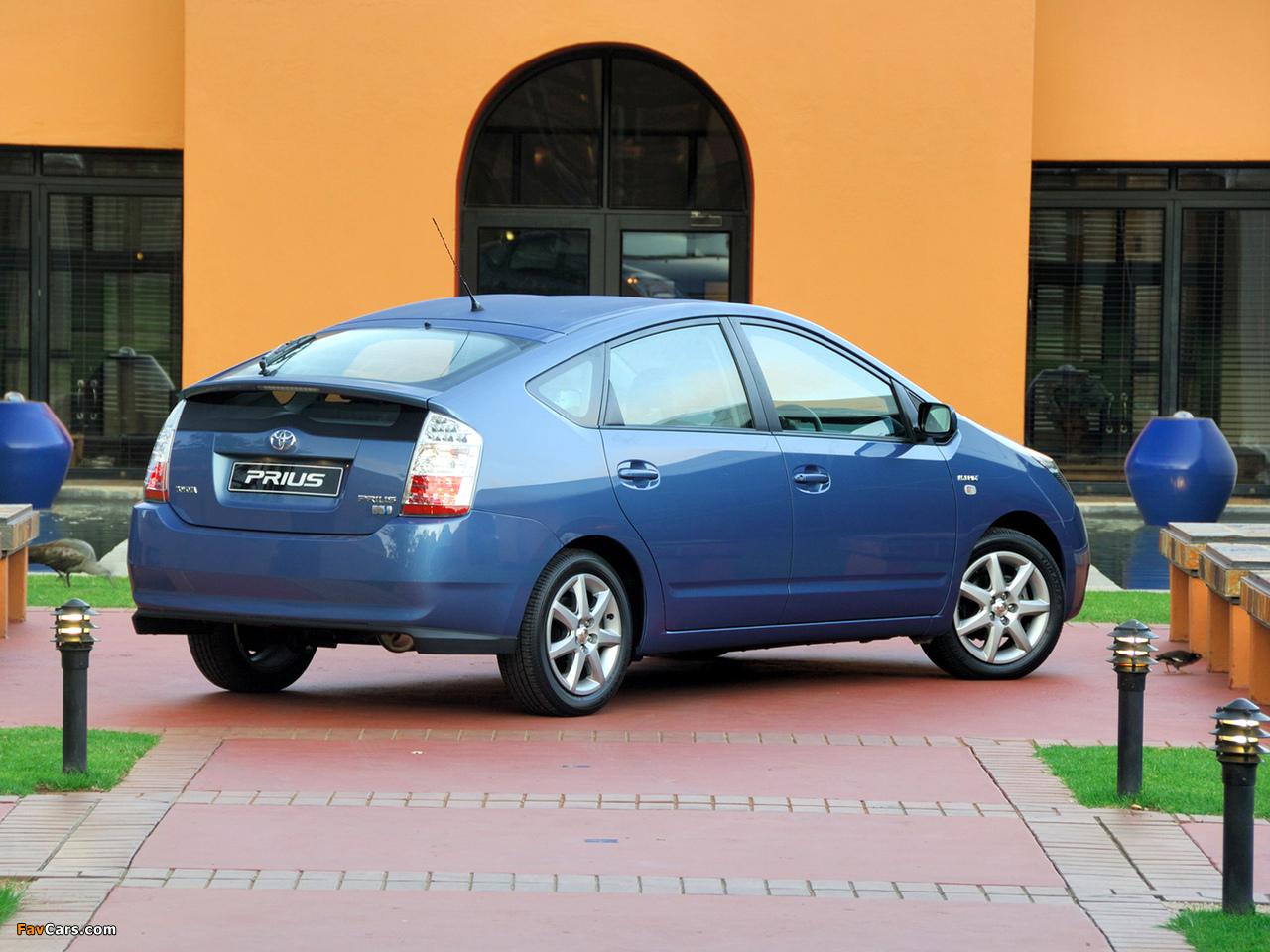 Photos of Toyota Prius ZA-spec (NHW20) 2003–09 (1280 x 960)