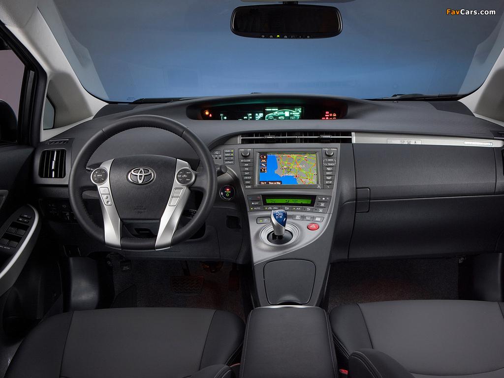 Photos of Toyota Prius Plug-In Hybrid US-spec (ZVW35) 2011 (1024 x 768)