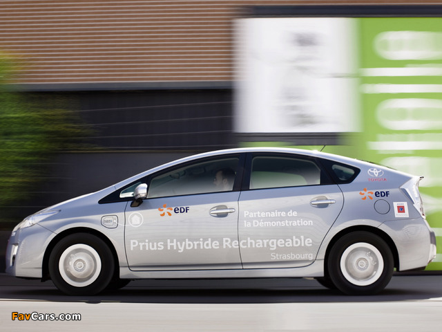 Pictures of Toyota Prius Plug-In Hybrid Pre-production Test Car EU-spec (ZVW35) 2009–10 (640 x 480)