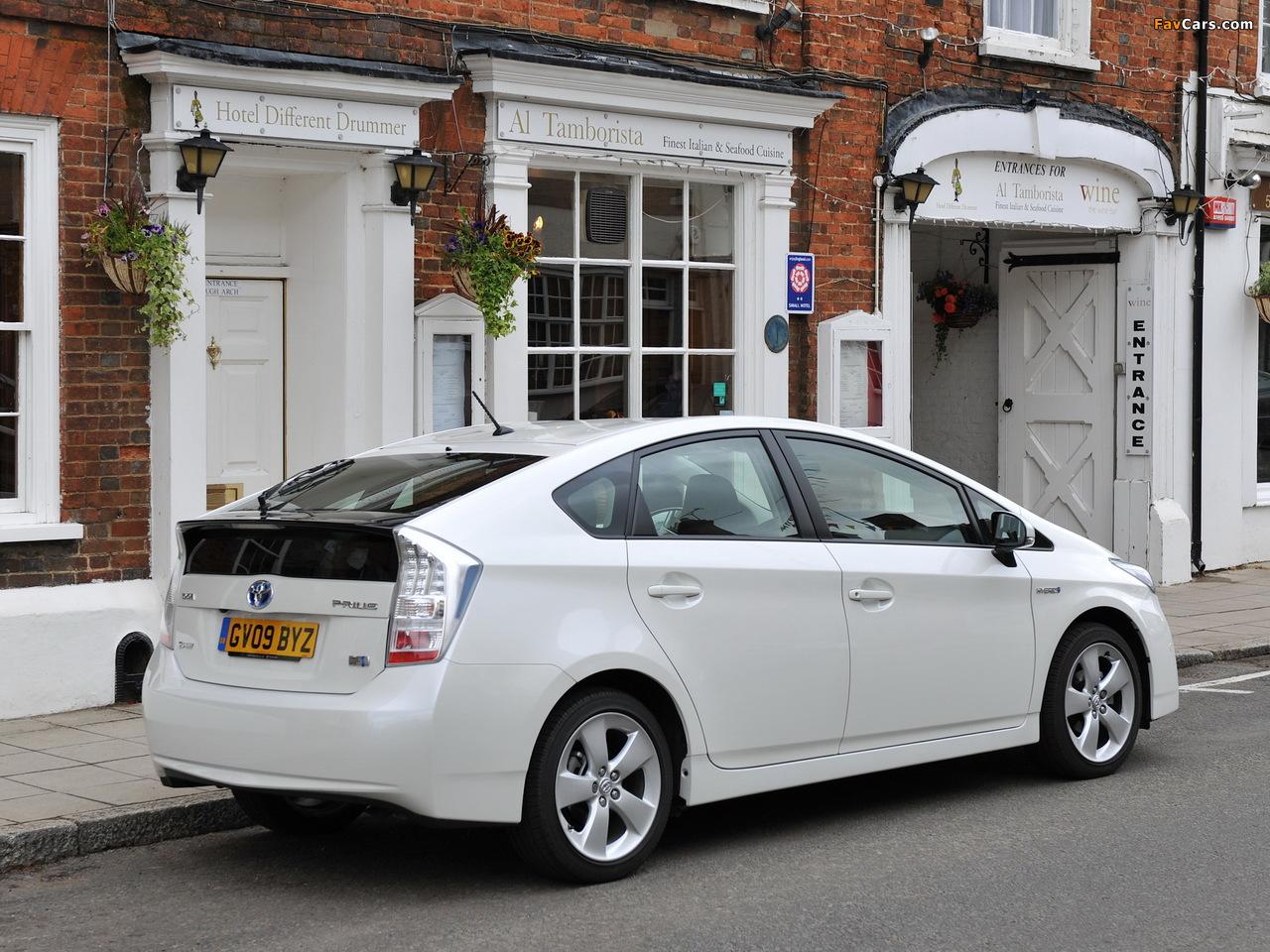 Toyota Prius UK-spec (ZVW30) 2009–11 photos (1280 x 960)
