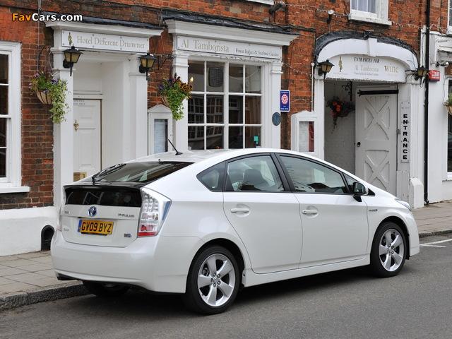 Toyota Prius UK-spec (ZVW30) 2009–11 photos (640 x 480)