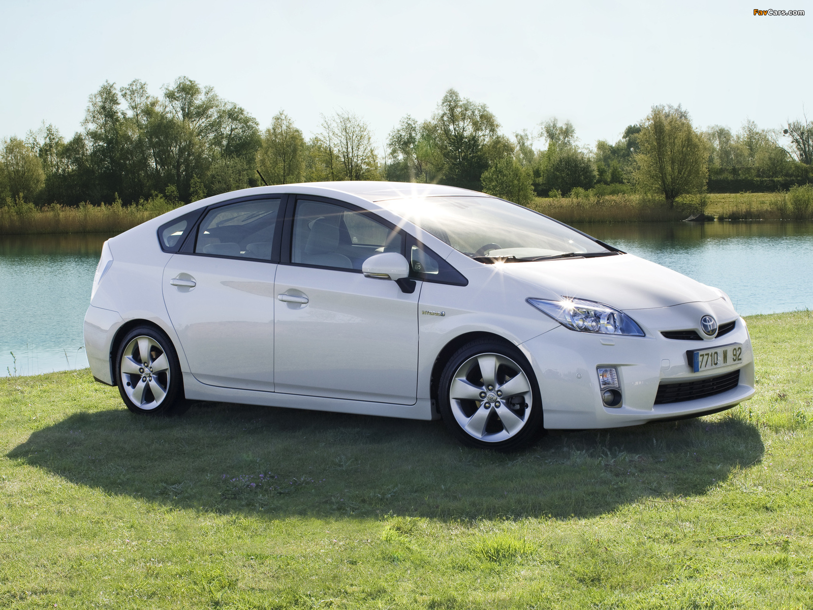 2017 Toyota Prius Hybrid Car | Take everyone by surprise.