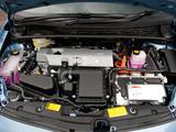 Toyota Prius Plug-In Hybrid UK-spec (ZVW35) 2011 images