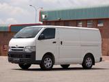 Pictures of Toyota Quantum Van 2004