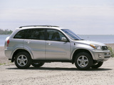 Images of Toyota RAV4 US-spec 2000–03