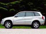 Images of Toyota RAV4 5-door UK-spec 2000–03