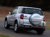 Images of Toyota RAV4 3-door ZA-spec 2003–05