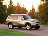 Photos of Toyota RAV4 5-door US-spec 1998–2000
