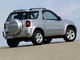 Pictures of Toyota RAV4 3-door 2003–05