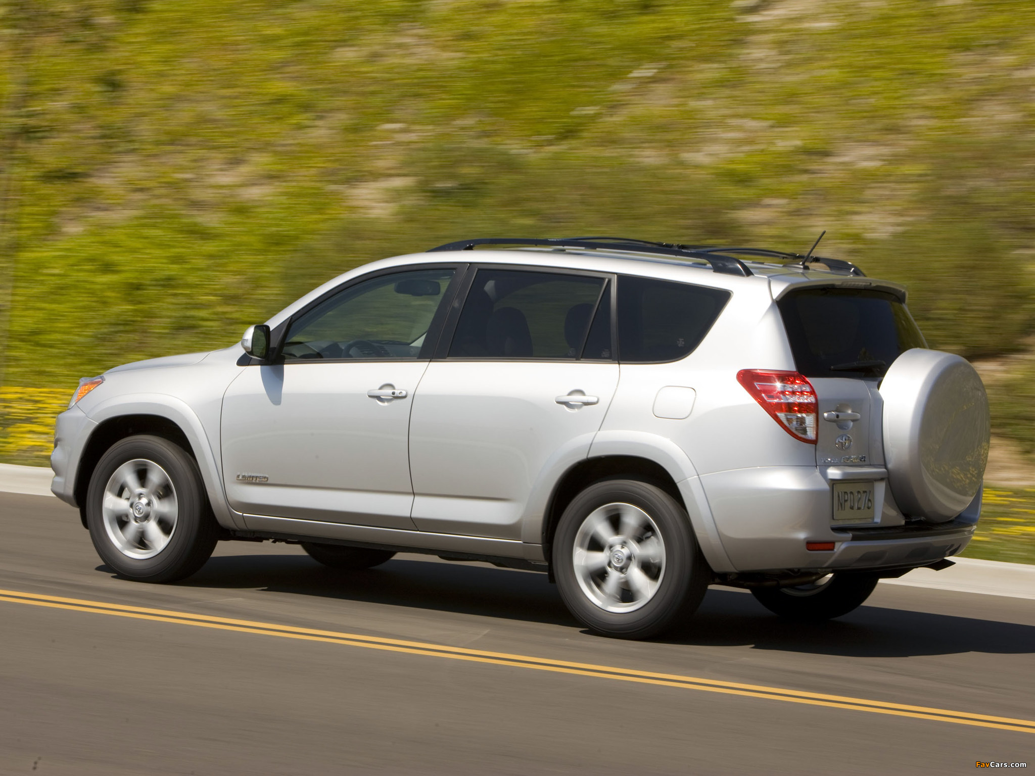 Toyota RAV4 Limited US-spec 2008 pictures (2048 x 1536)