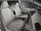 Photos of Toyota Sienna 2010