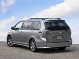 Toyota Sienna SE 2010 photos