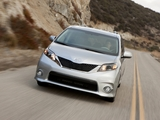 Toyota Sienna SE 2010 pictures