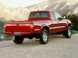 Images of Toyota Tacoma SR5 V6 4WD Xtracab 2001–04