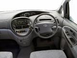 Toyota Tarago 2000–03 images