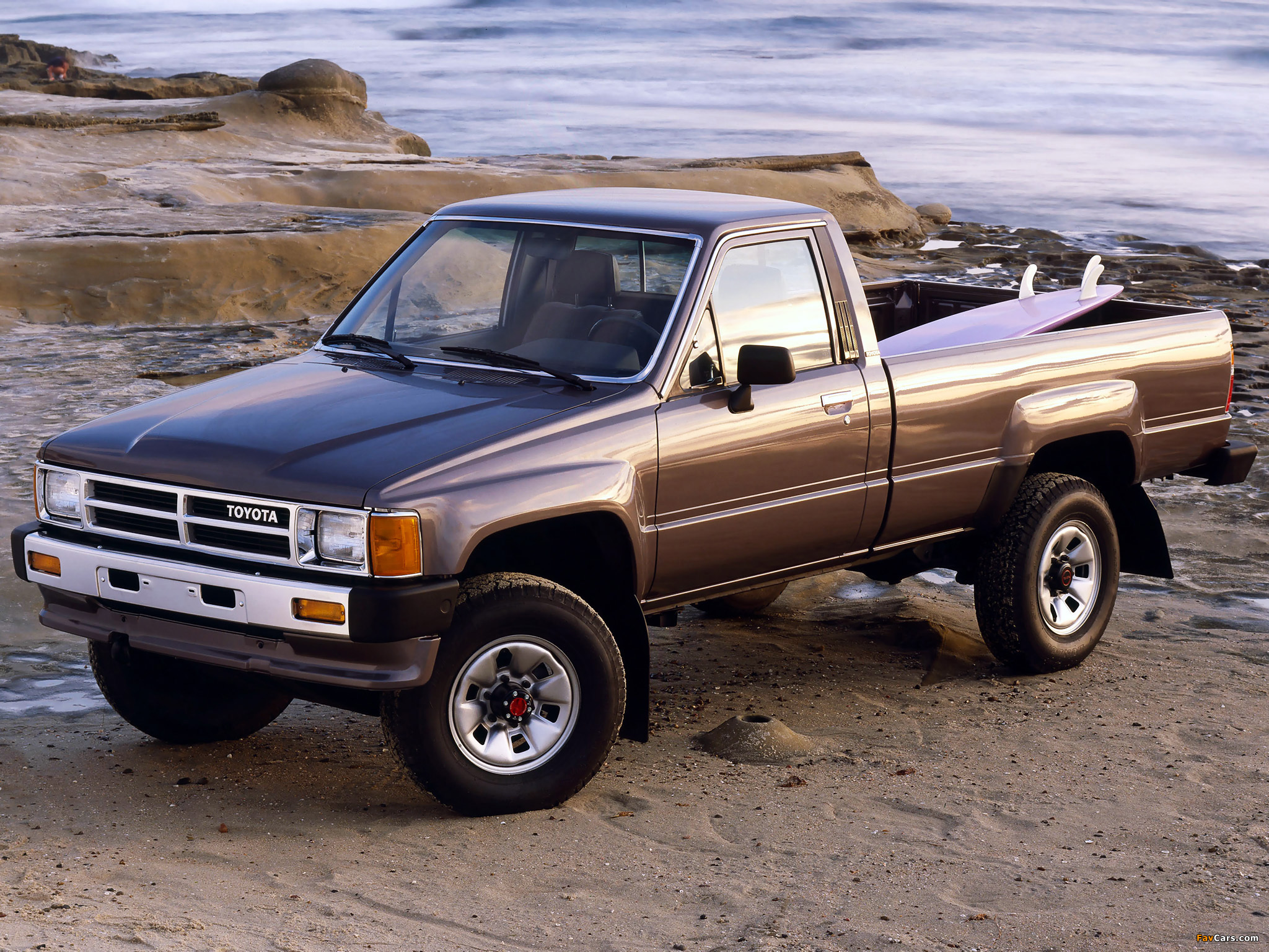 toyota truck regular cab 4wd 1986 88 pictures 2048x1536. Black Bedroom Furniture Sets. Home Design Ideas