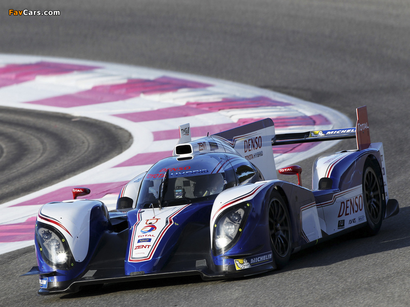 Images of Toyota TS030 Hybrid 2012 (800 x 600)