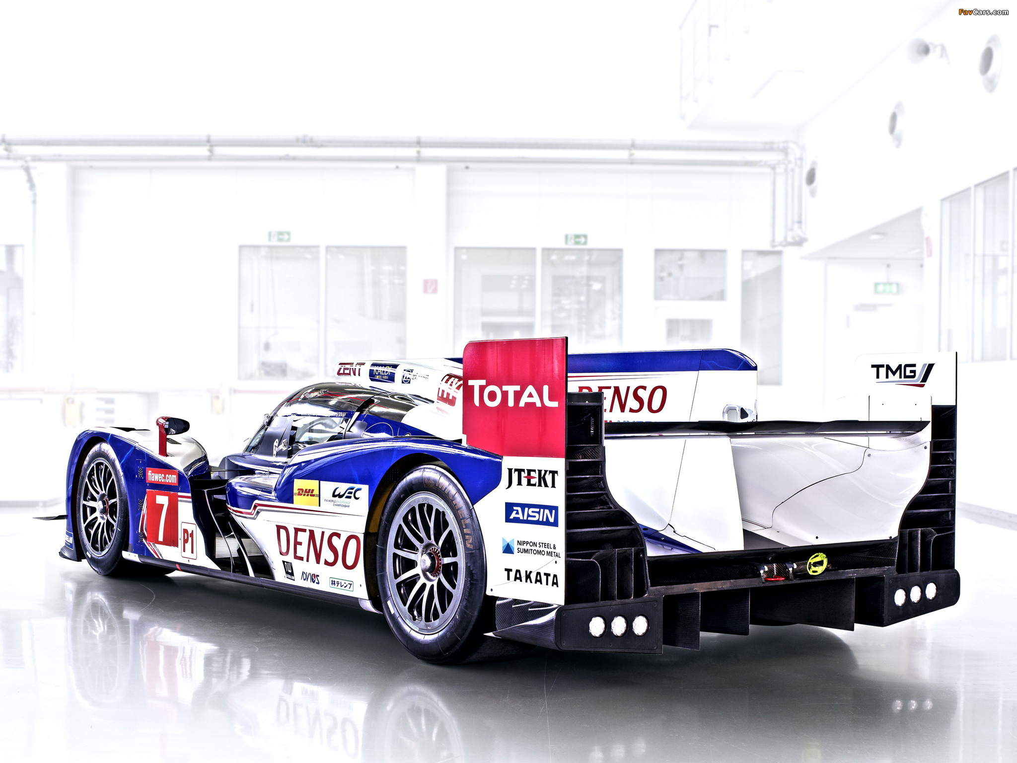 Images of Toyota TS030 Hybrid 2013 (2048 x 1536)