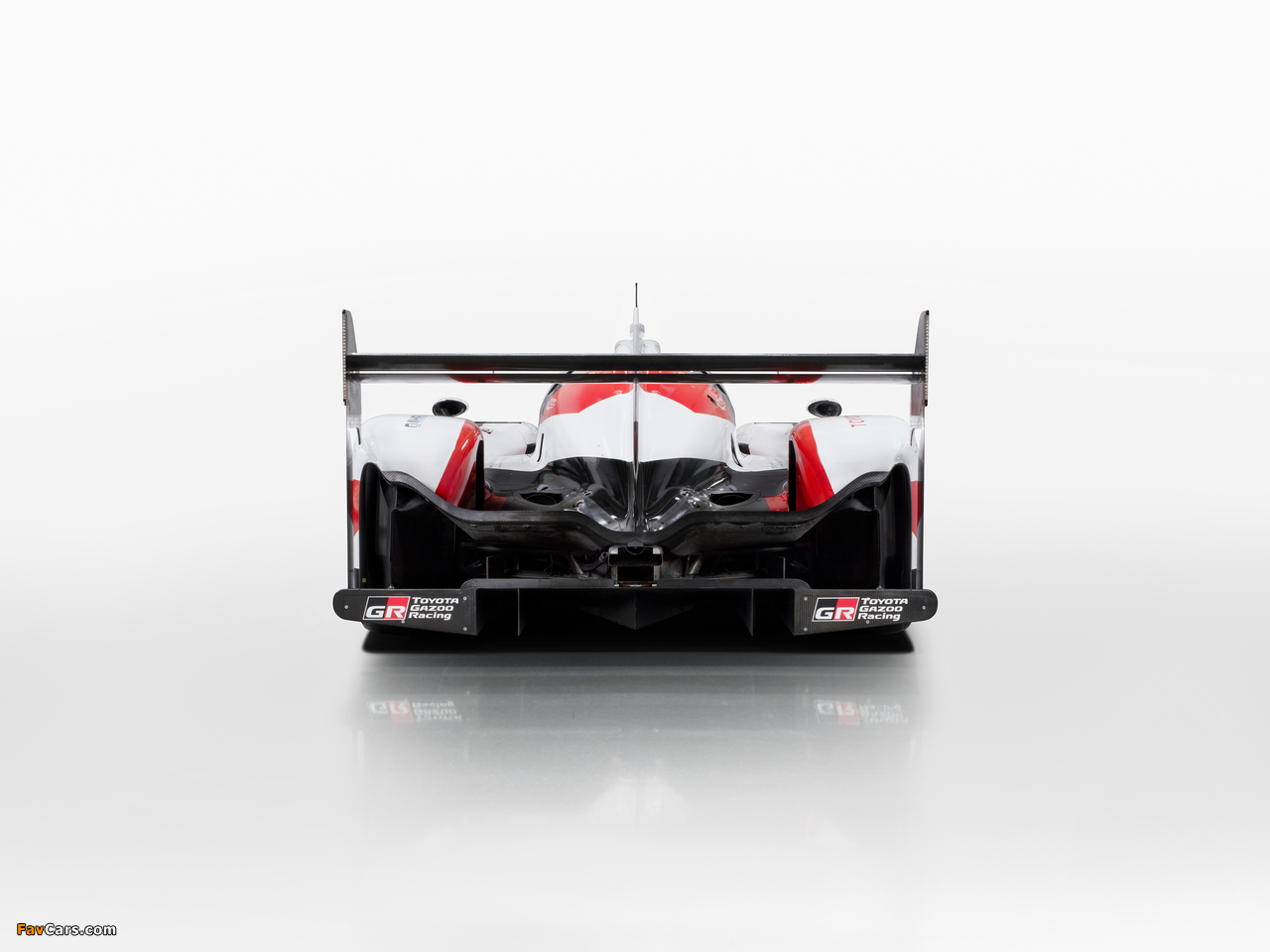 Images of Toyota TS050 Hybrid 2017 (1280 x 960)