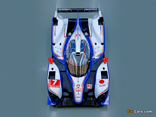 Pictures of Toyota TS030 Hybrid 2012 (640 x 480)