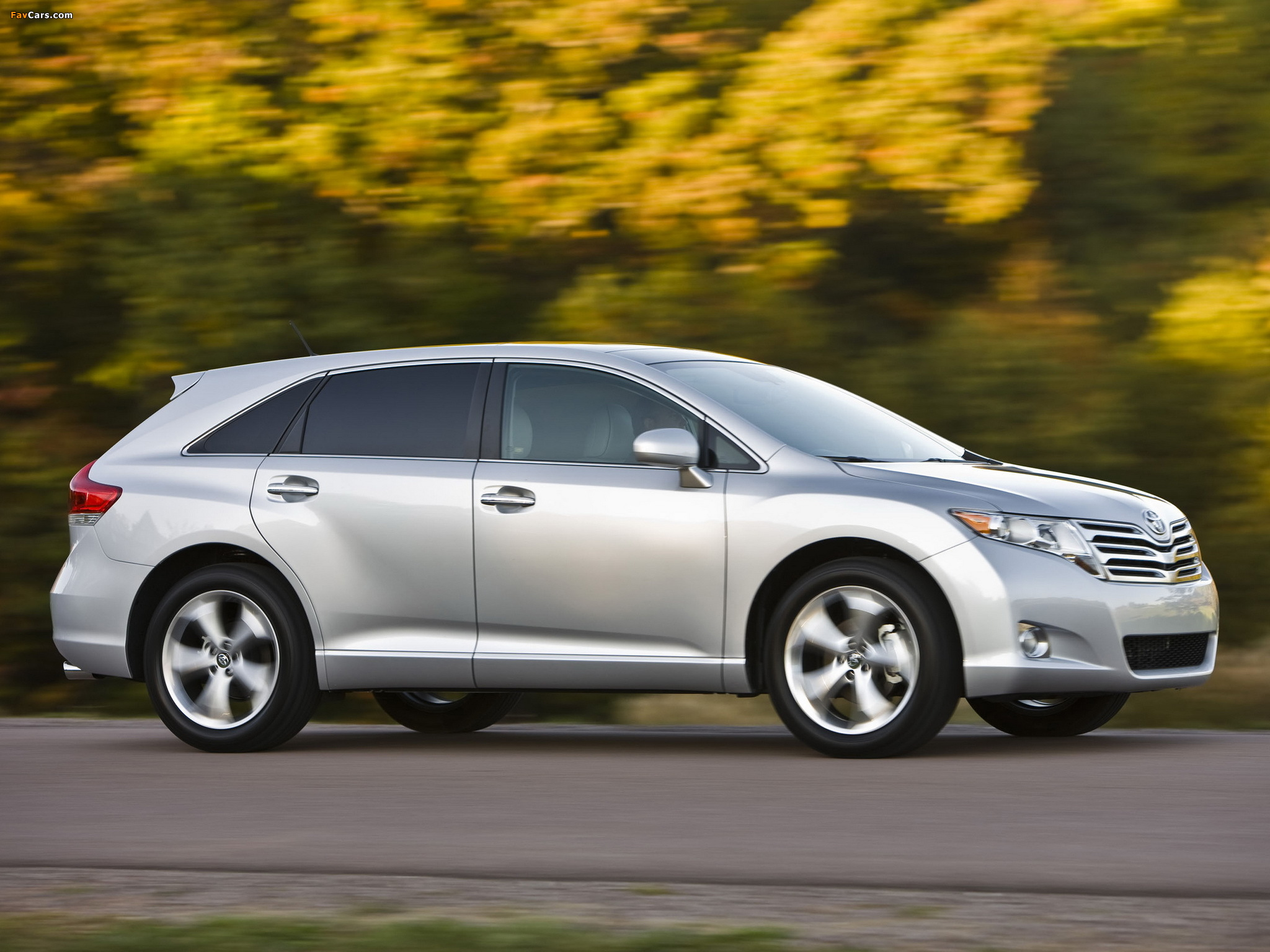 Тойота Венза цена 2015 года, купить новый Toyota Venza...