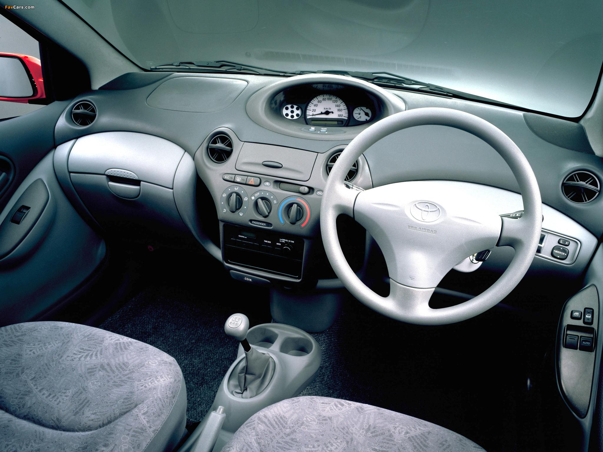 Toyota Vitz 3 Door 1999 2001 Images 2048x1536