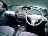 Toyota Vitz 3-door 1999–2001 images