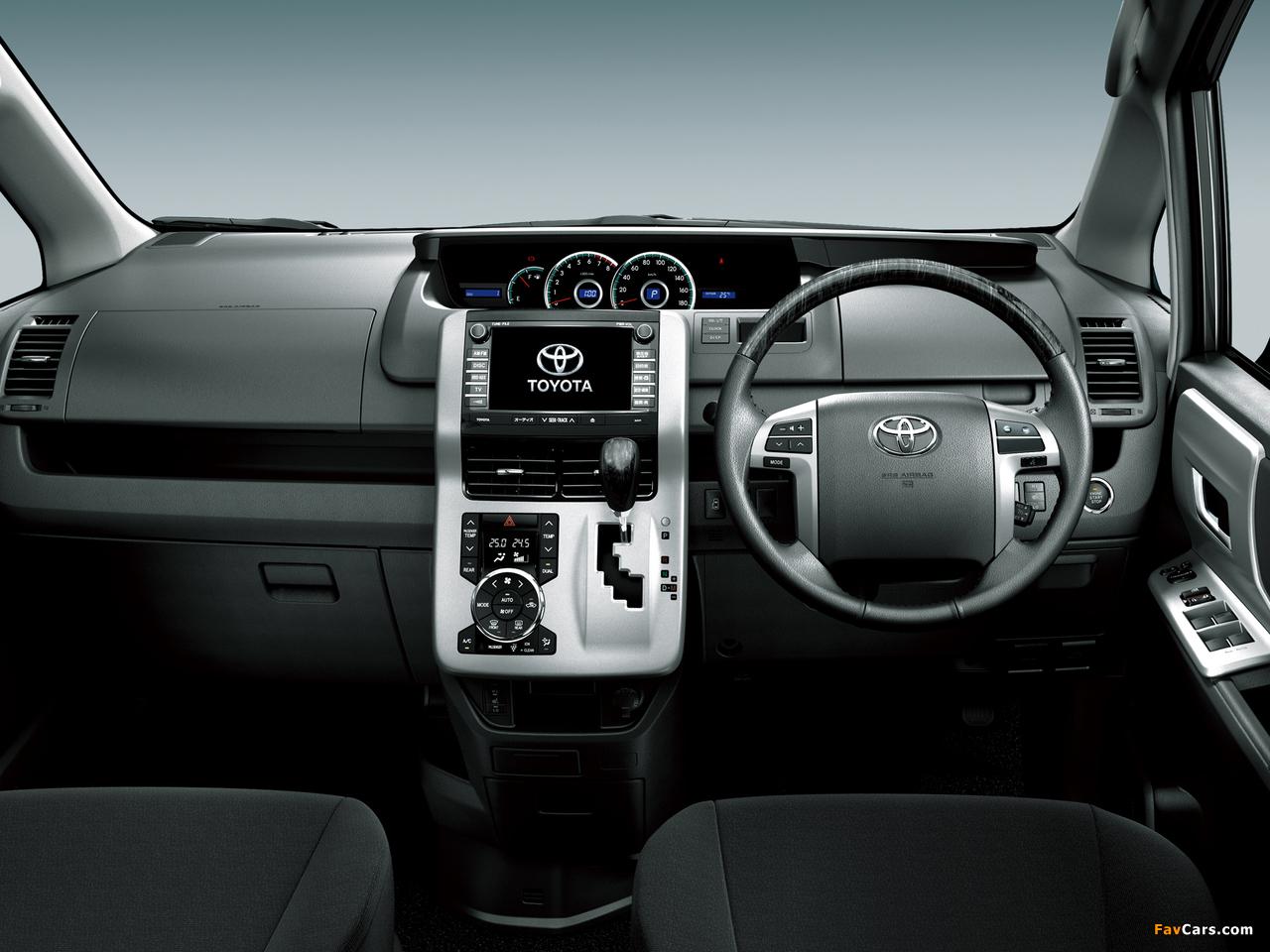 Photos of Toyota Voxy 2010 (1280 x 960)