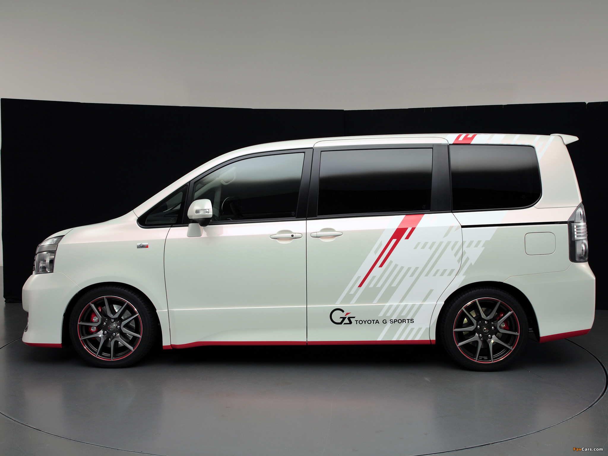 Photos of Toyota Voxy G Sports Concept 2010 (2048 x 1536)