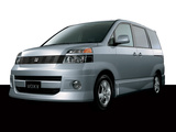 Toyota Voxy 2001–07 images