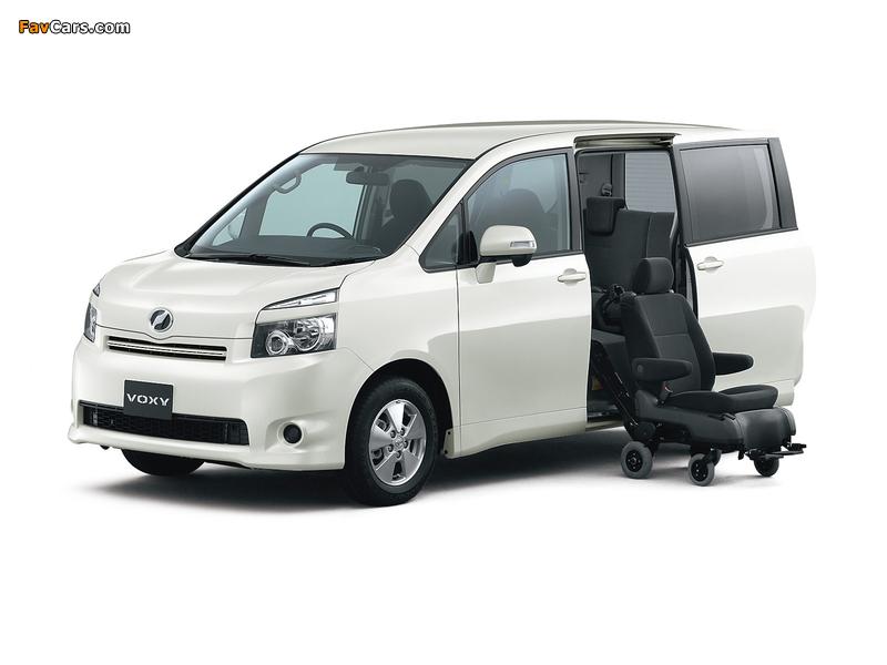 Toyota Voxy 2007–10 pictures (800 x 600)