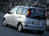 Images of Toyota Yaris Verso 2003–06